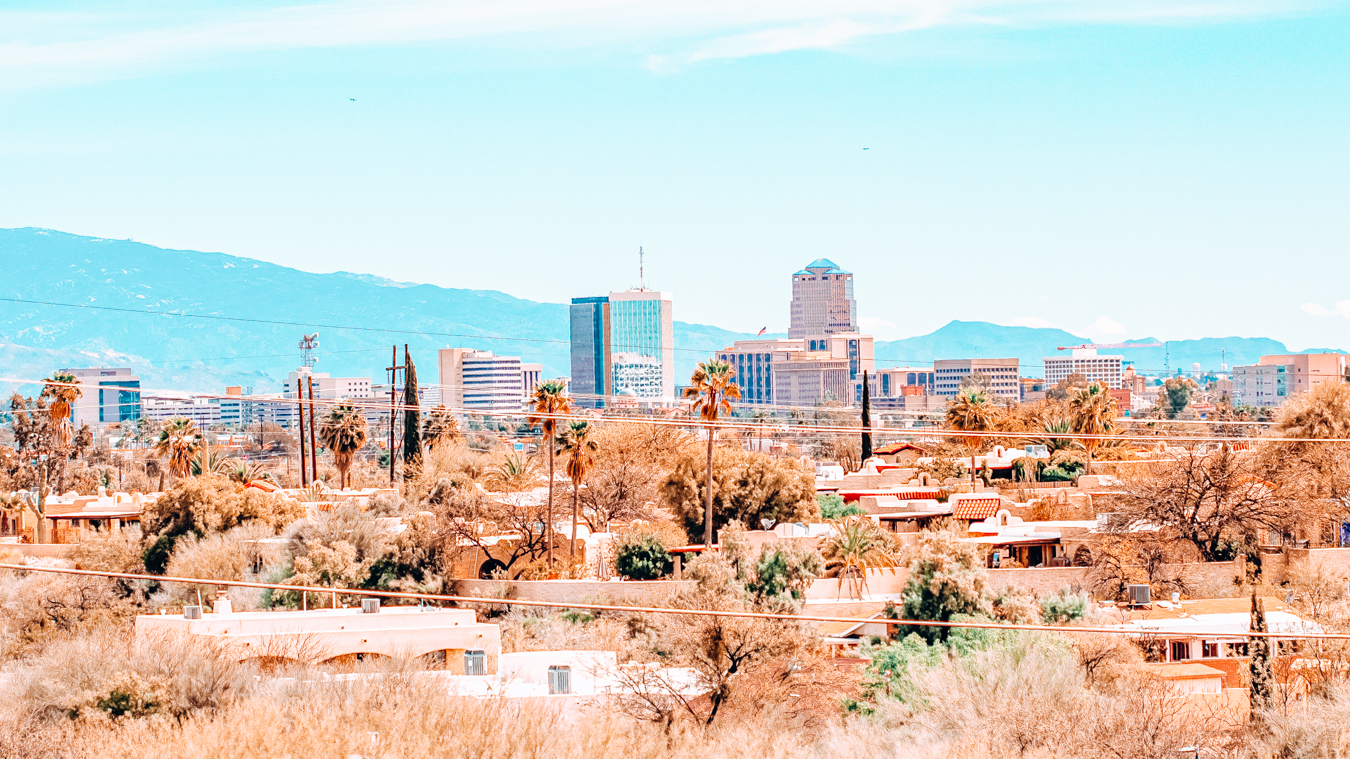 Nature and buildings in Tucson