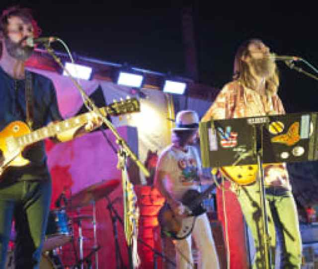 Pappy Harriets In Pioneertown Hosts Concerts Under The Stars