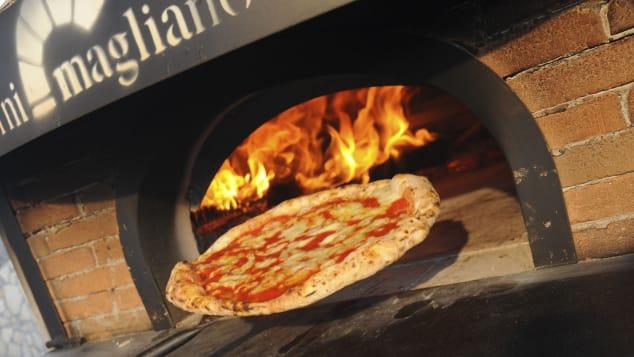 لا شيء يتفوق على بيتزا نابولي التقليدية