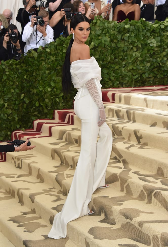44 met gala red carpet kendell jenner