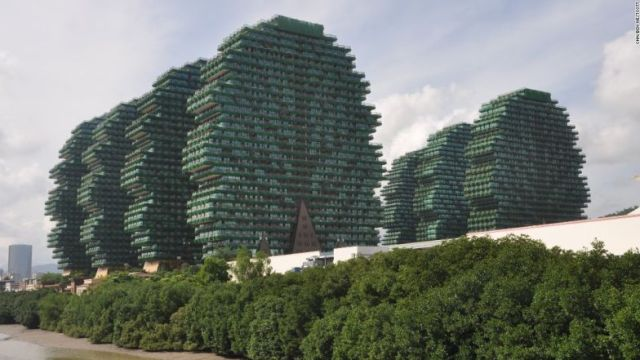 Beauty Crown Hotel in Sanya features nine enormous tree-like structures, which hold dozens of hotel rooms.