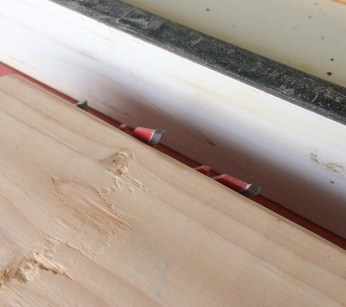 """Set Blade to about 1/4"""" above the wood you are cutting."""