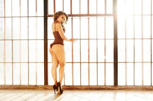 Laura Dore @LauraDore - Sunlight