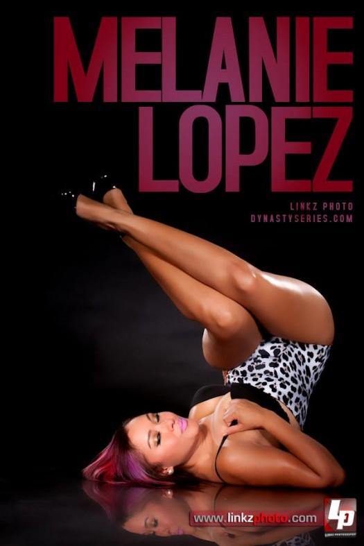 Melanie Lopez @MelanieLopez_ : Heels In the Air - Linkz Photo