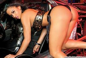 Rosa Acosta - Custon Motors - BlackMenDigital Previews