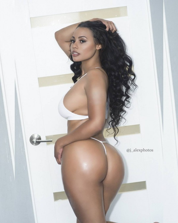 @arieljaneill - Pic of the Day Triple Play - J. Alex Photos