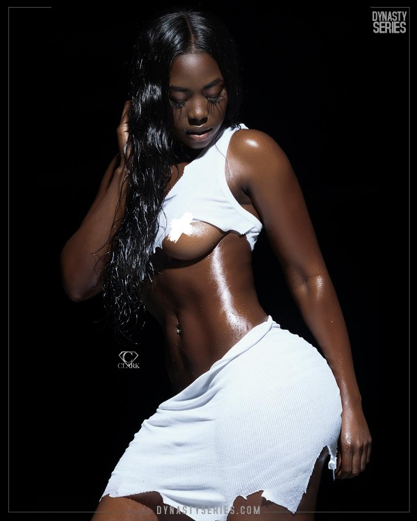 Stefani Naava @stefani_naava: Chocolate Girl Wonder - C Clark Photography