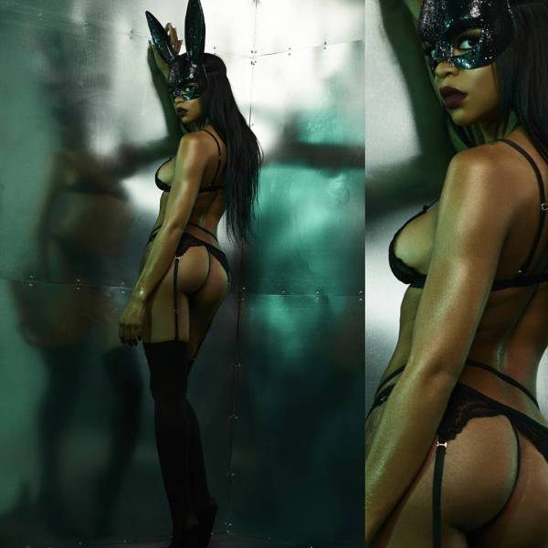 Britni Paige @imbritnipaige: Dark Rabbit - Cosey Photo