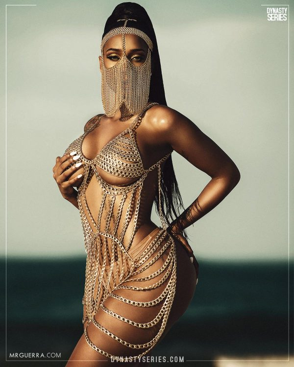 Baddie Gi: Chains of Gold - Jose Guerra
