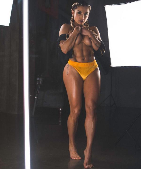 Vanessa Mejia @vanessamfit - Pic of the Day Triple Play - Free Lance Photography