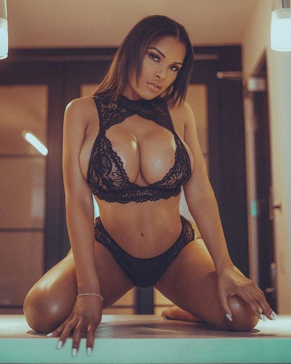 Eve Marie @evejmarie - Pic of the Day Triple Play - Eames Alexander