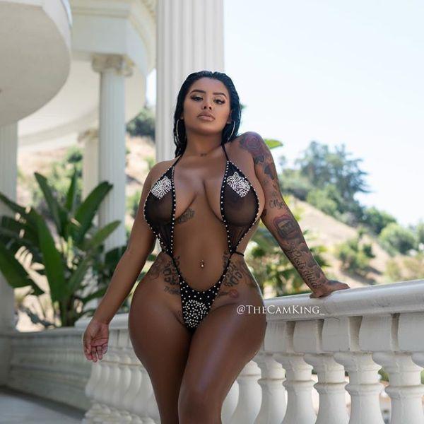 Yasmin Estrada @realhatedigmodel: Slip Out - The Cam King