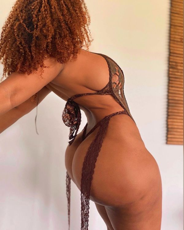 Raven @ravieloso - Ahead of the Curves