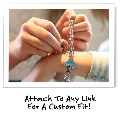 One size fits all! http://dynotag.hostedbywebstore.com/Dynotag®-Enabled-Emergency-Information-Bracelet/dp/B00P3BMY1Y