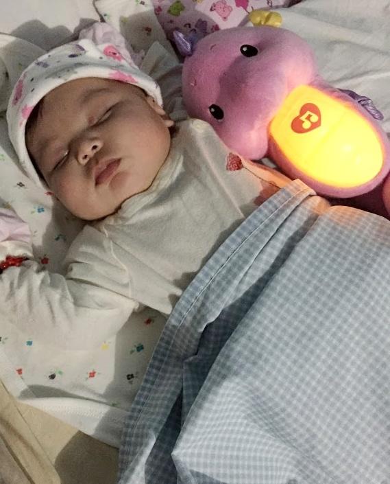 dyosathemomma: AmNiszhaGirl newborn toys by Fisher-Price