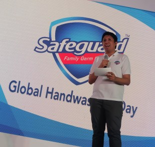 dyosathemomma: Alden Richards Safeguard Global Handwashing Day, Lester Estrada P&G