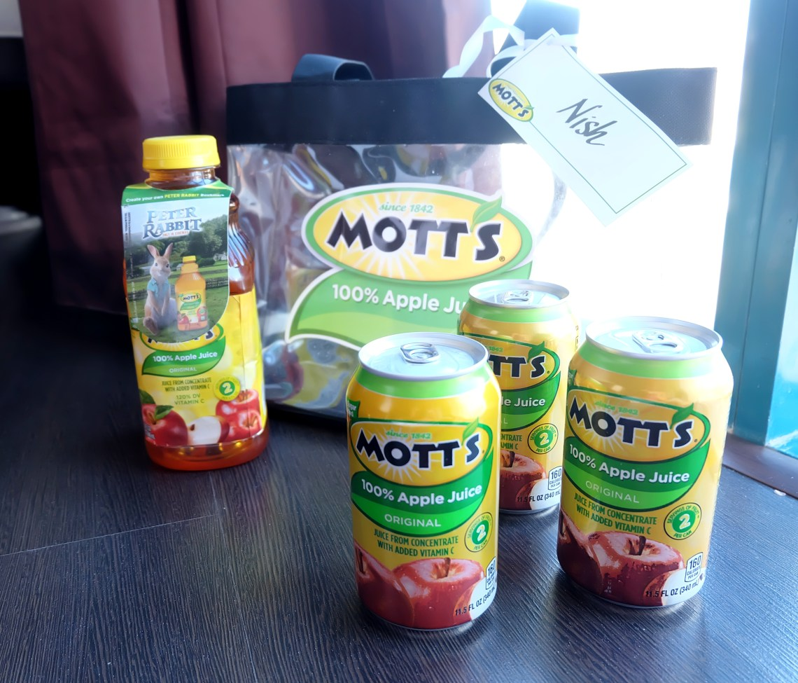 dyosathemomma: Mott's 100% Apple Juice and Peter Rabbit Movie giveaway