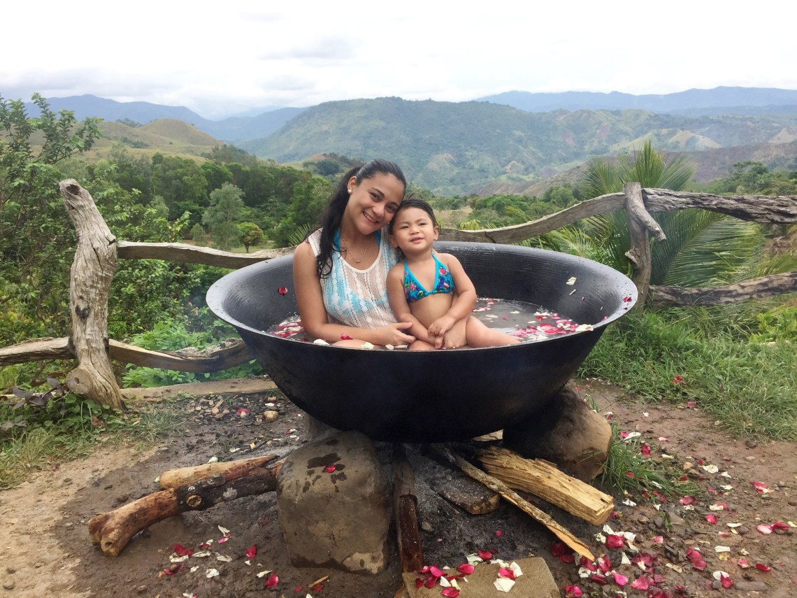 dyosathemomma: Kawa Hot Bath in El Patio Razon, Tanay Rizal Review, travel blog