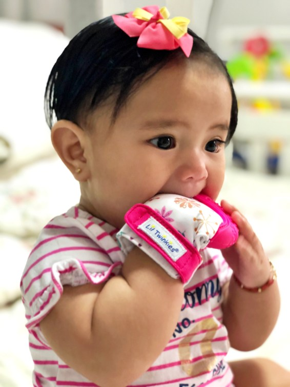 dyosathemomma: Li'l Twinkies review, mommy blogger ph, chewy mitten, Mariana Jazrine