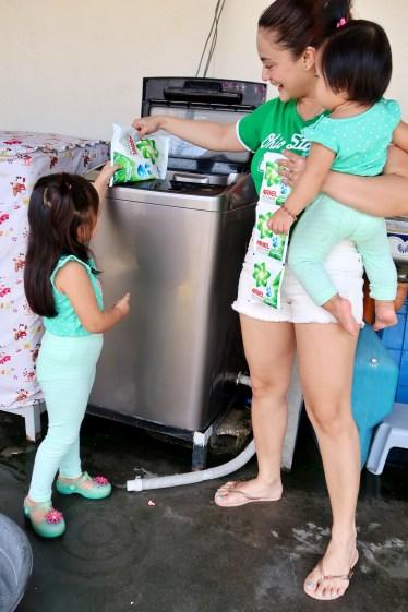 dyosathemomma: Ariel Instashine review, laundry detergent, mommy blogger ph, AmariaNish