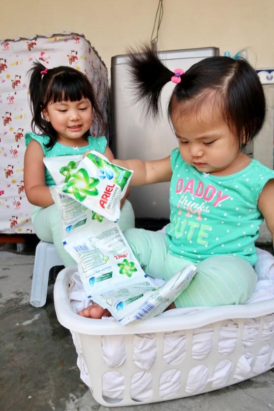 dyosathemomma: Ariel Instashine review, laundry detergent, mommy blogger ph, Ysha and Yana