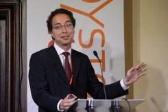 Dr. André Lee