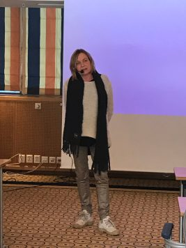 Cecilie Bantered sharing her dystonia story.