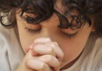 8 причин молитися вранці