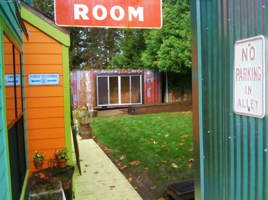 container-guest-room