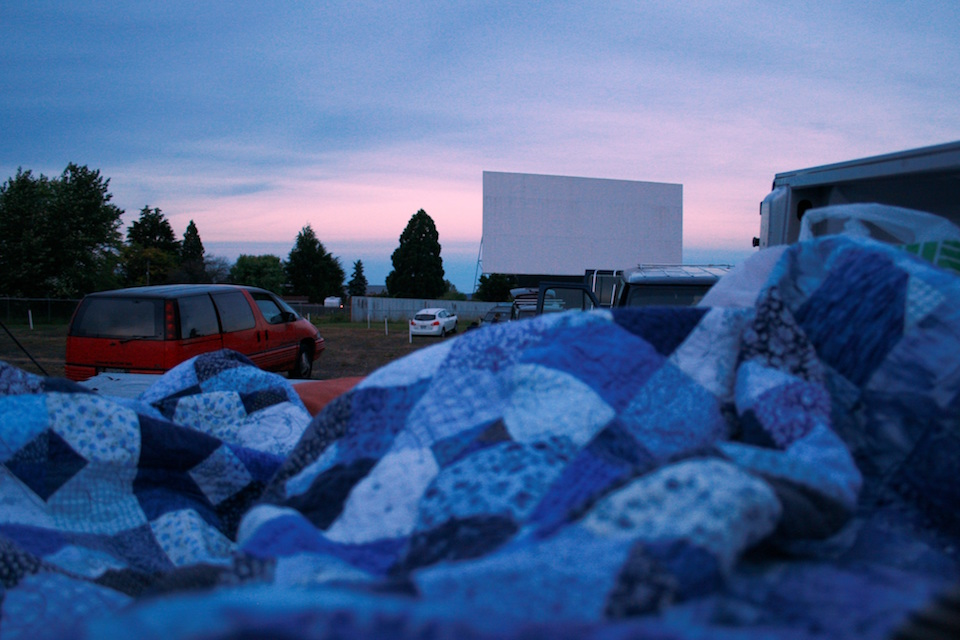 oregon drive in movie theaters
