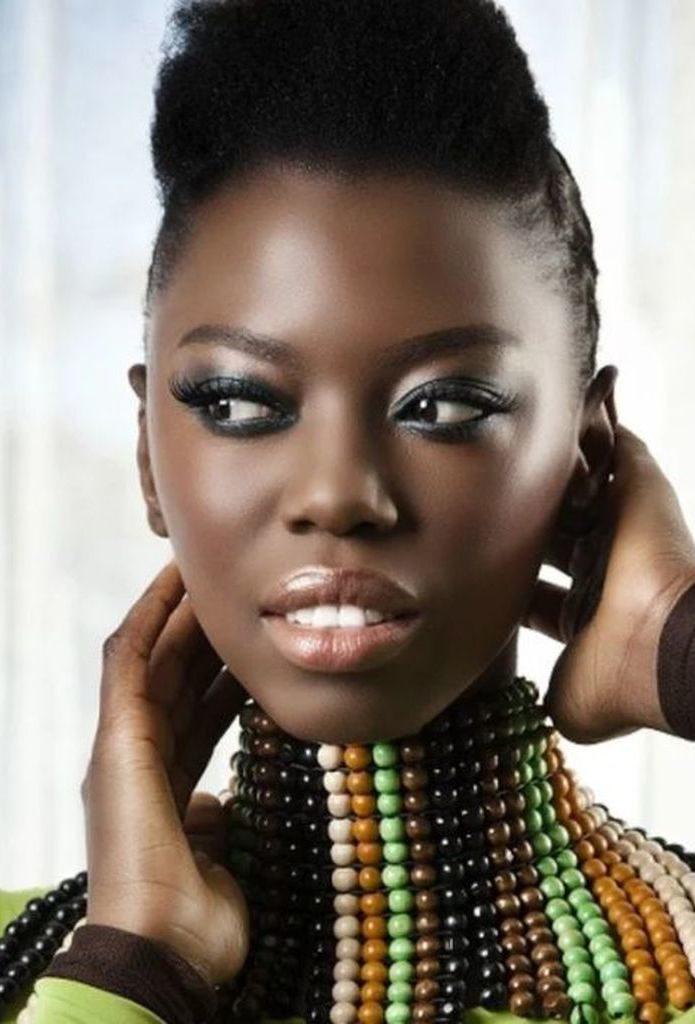 Lira (Afrique du Sud) en mode afro punk