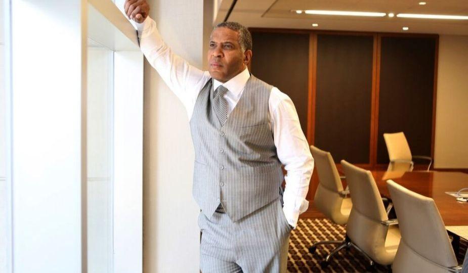 DZALEU.com : African Lifestyle Magazine Black Wealth : Robert F. Smith, Businessman & Philantropist
