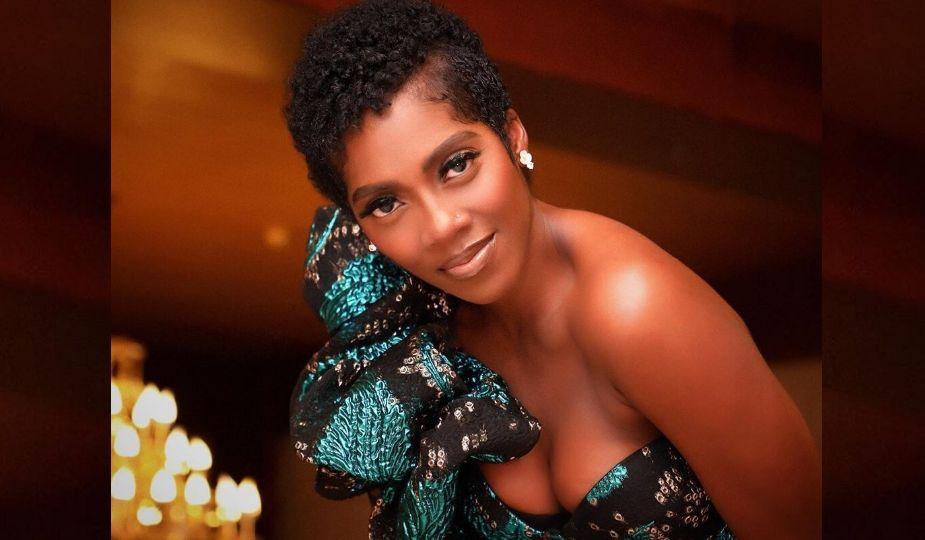 Tiwa Savage en mode afro court