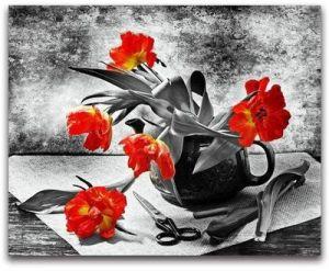 Broderie diamant motifs fleurs rouges déco
