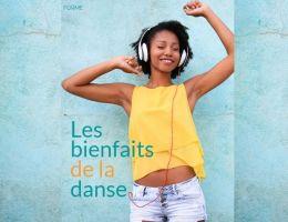 Femme danse ecouteurs