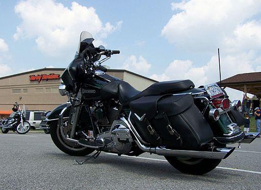 By J.E. Fee (originally posted to Flickr as Black Bike) [CC-BY-2.0], via Wikimedia Commons