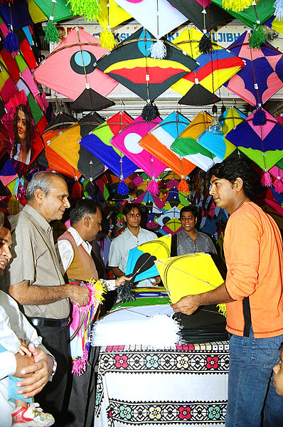 Kite-sales on Basant