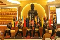南非天龍隊在開幕典禮獻上傳統舞蹈。