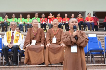 覺年法師叮嚀到,您是真正的領袖是不怕風不怕雨不怕困難,人間佛教生命探索營的領袖要具備 IQ智商、EQ情緒、AQ抗壓和CQ創意,這就是佛教的戒定慧。
