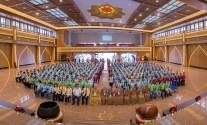 嘉賓們與第八屆「攜手同圓」中學佛學會三好領袖培訓營大合照。