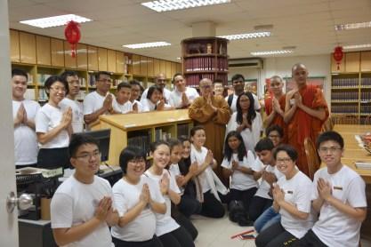 印度南傳佛教一行30人參觀教育館,院長覺誠法師開示