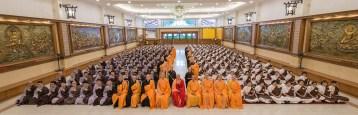 232名來自馬來西亞、新加坡、印尼、中國、台灣和加拿大的新戒,把握年度殊勝因緣,到東禪寺體驗為期五天的短期出家生活。