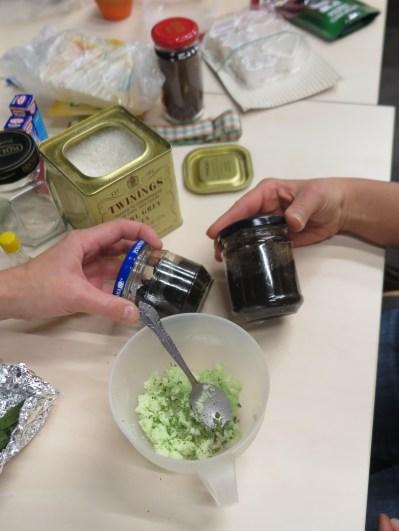 peeling kawowy i peeling cukrowy