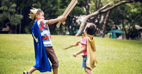 Brutalne zabawy – dlaczego dzieci ich potrzebują?