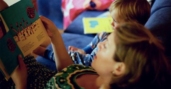 10 solidnych argumentów, by czytać dzieciom książki. Codziennie!