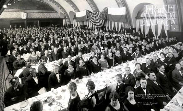 50. rocznica - Złoty jubileusz ZPRK, uczczona została bankietem w hotelu Auditorium (Dziś budynek Roosevelt University), 27 listopada 1923. Zdjęcie – Max Prusiński