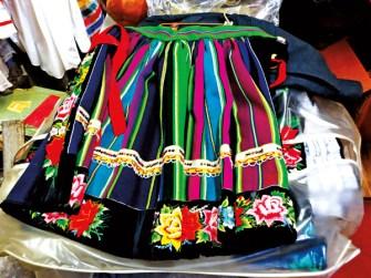 Część sukni ślubniej z Łowicza