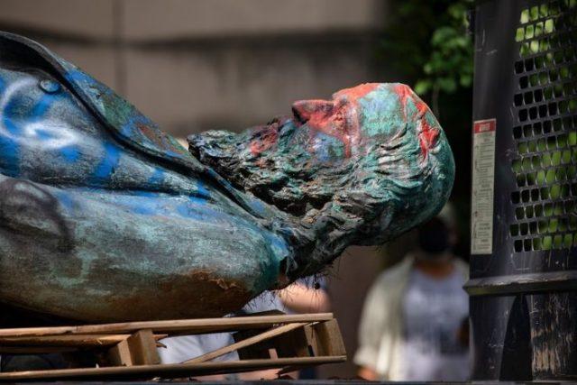 W Waszyngtonie obalono jedyny pomnik upamiętniający dowódcę ...