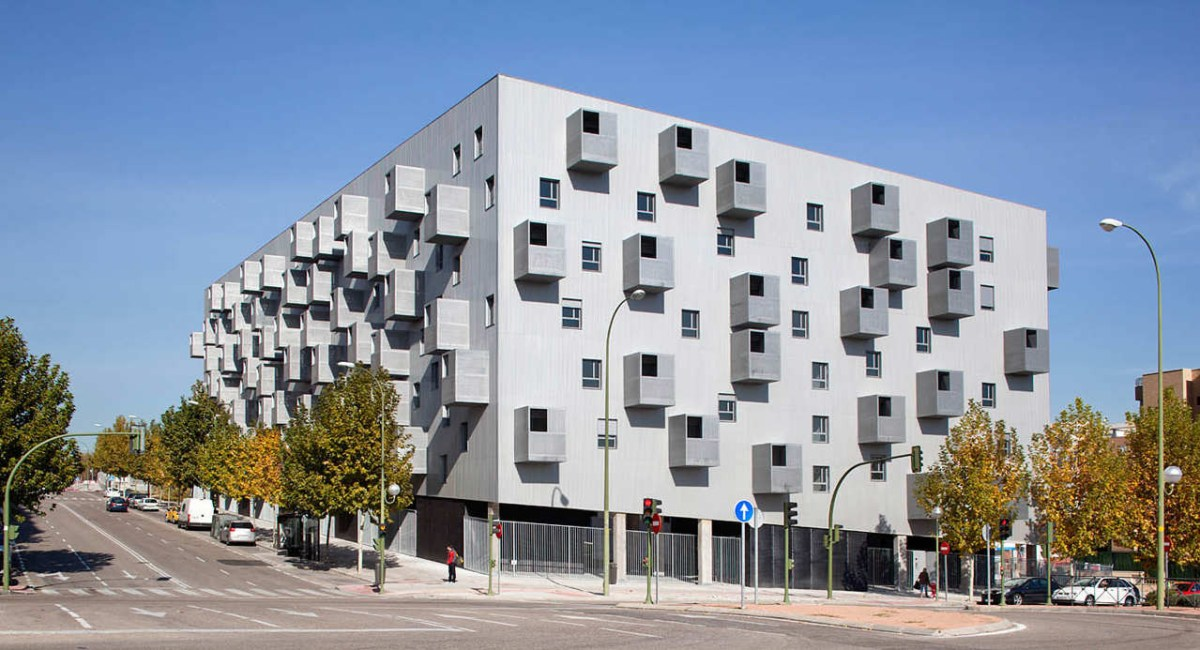 168 Social Housing in Madrid by Coco Architecture - 01