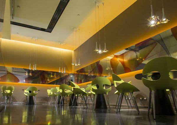 1+nhow+Milan+bar+by+Karim+Rashid+(credits+Giuseppe+Creti)